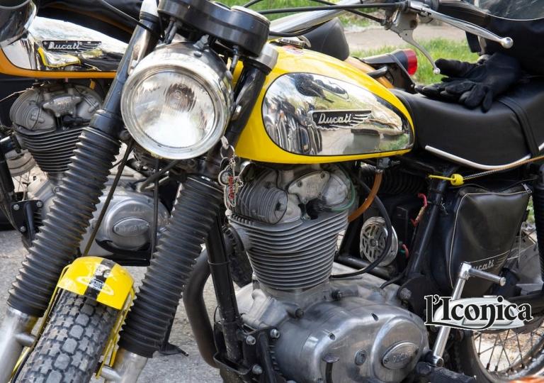 liconica-moto-ducati-scrambler-giallo