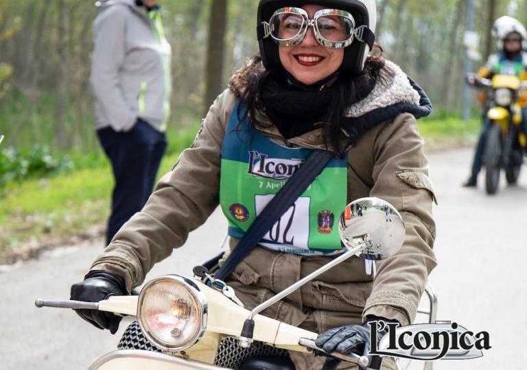liconica-moto-vespa-letizia