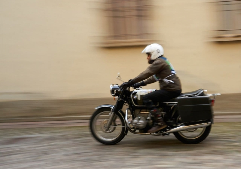 liconica-moto-bmw-r75-motoclub-etrusco