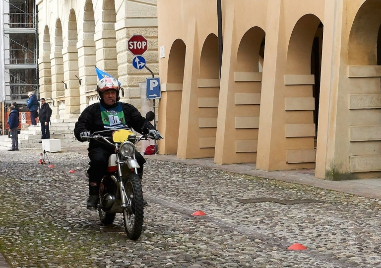 liconica-moto-bultaco