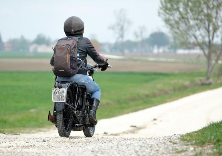 liconica_moto_mas_motociclista_silvia